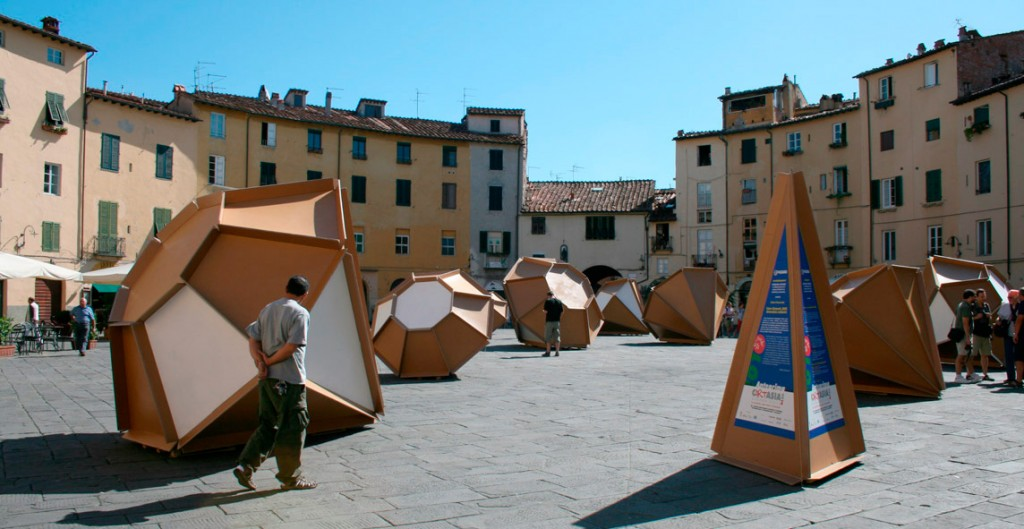Installation in the piazza