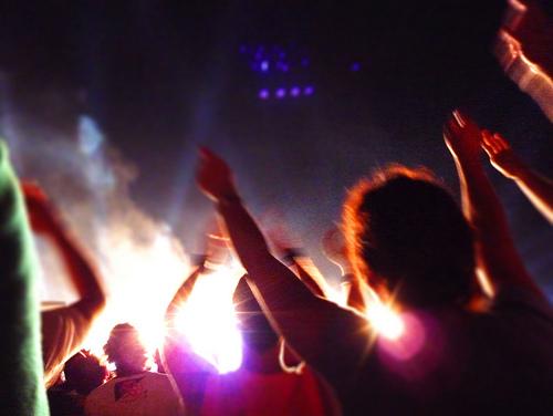 italian-concert-crowd