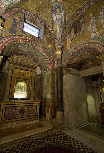 San Zeno Chapel - photo: flickr @Lawrence OP