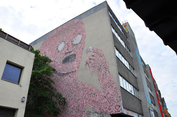 Berlin Street Art - Blu animation