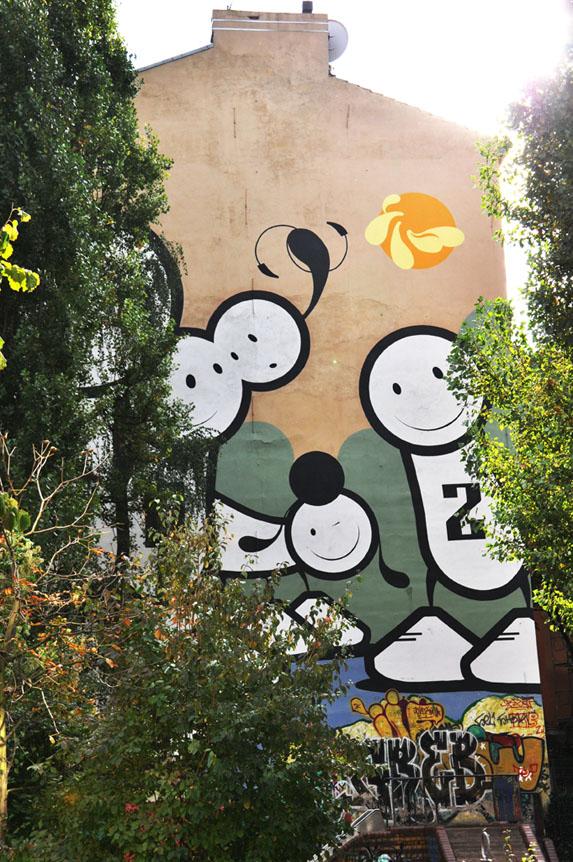 Berlin Street Art - London Police
