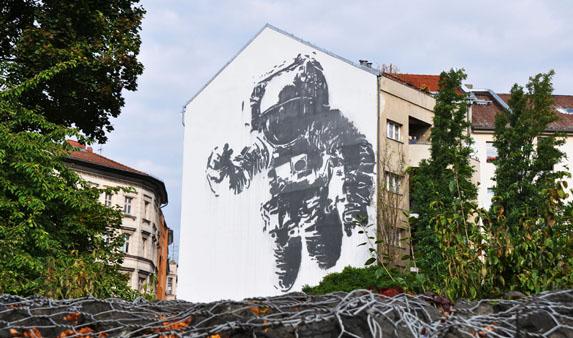 Berlin Street art - Victor Ash