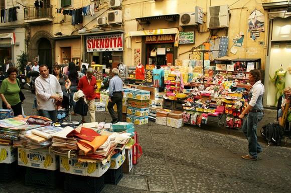 via Pignasecca market
