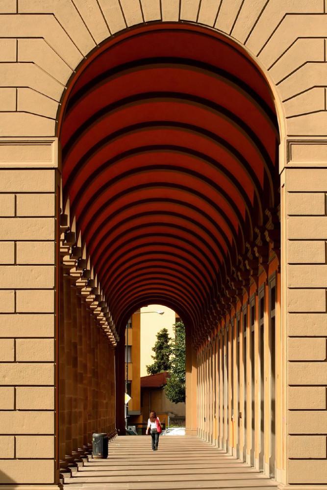 Piazza della Libertà, loggia. Photo @migliosa on Flickr