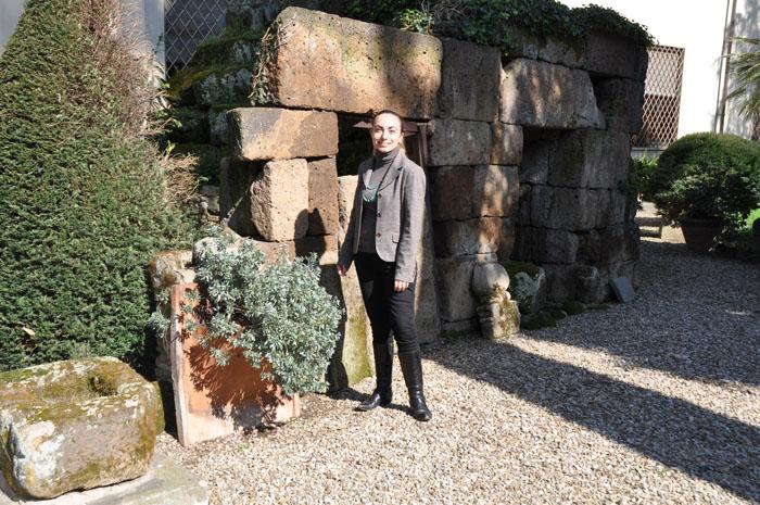 My guide, Marina lo Blundo, with a dado tomb (right Marina??)
