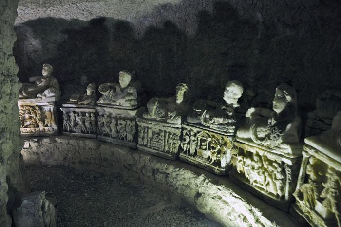Inside the Inghirami tomb - original urns