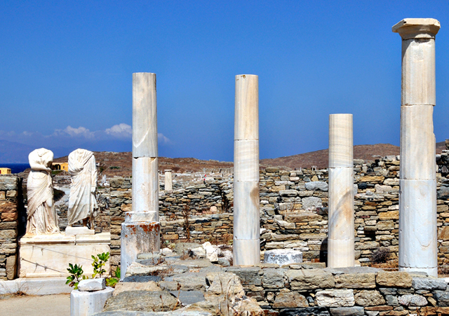Delos by Flickr User @Apel.les