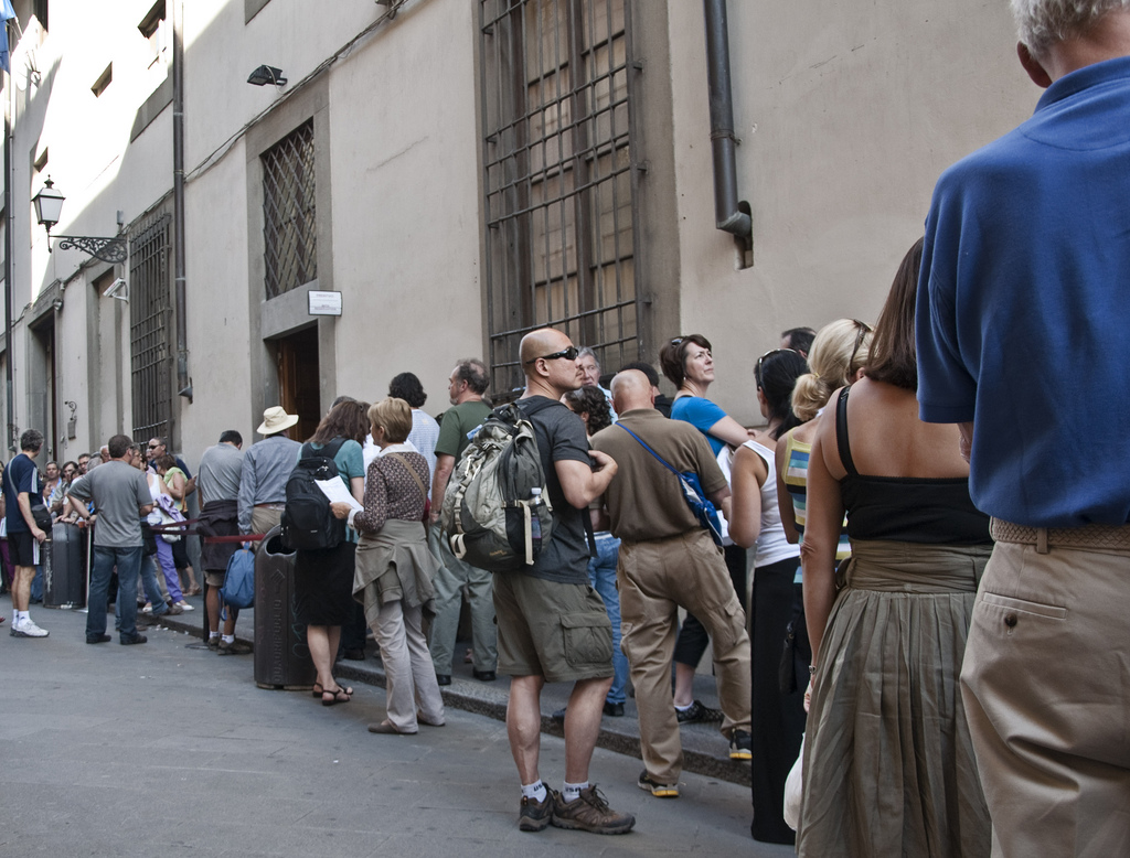Lining up to see the David | Photo Eric Parker, Flickr