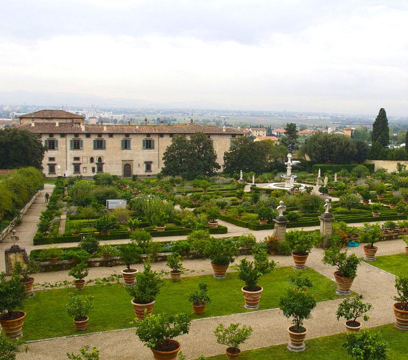 The Smell Of Medici Gardens In The Morningarttrav