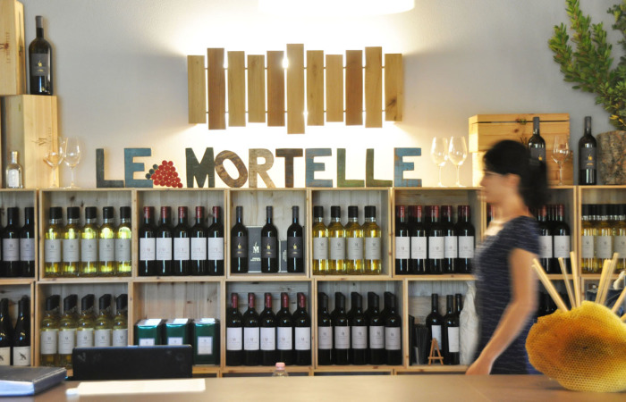 Store at Le Mortelle