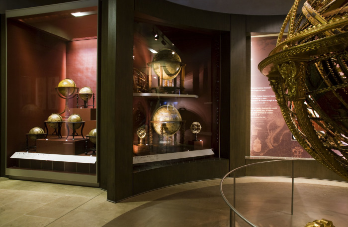 Galileo museum houses the scientist's middle finger!