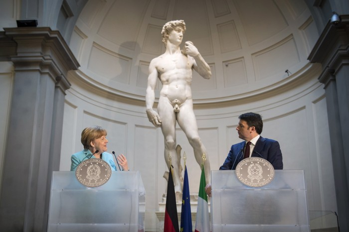 Angela Merkel and Matteo Renzi under the David - photo Il Giornale