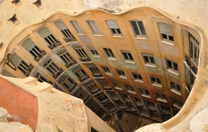"Casa Milà ""La Pedrera"" courtyard (photo taken in 2011)"