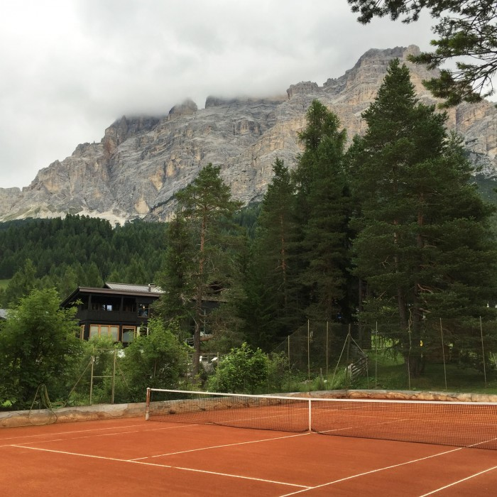 Tennis in the mountains at Hotel Armentarola