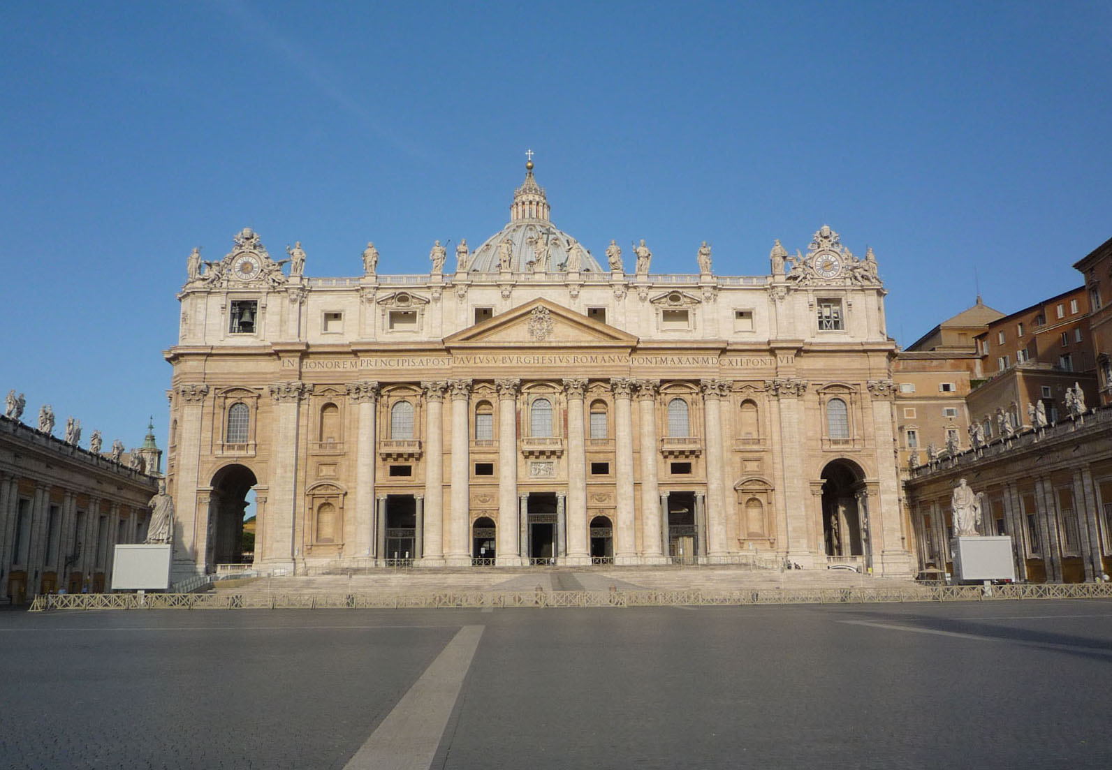 vatican-piazza-empty_cover