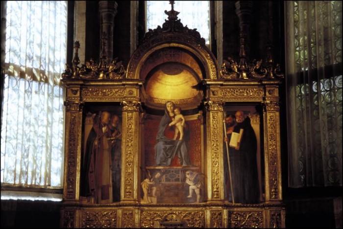 Bellini's Frari Tryptich. Photo by Jacqueline Poggi on Flickr