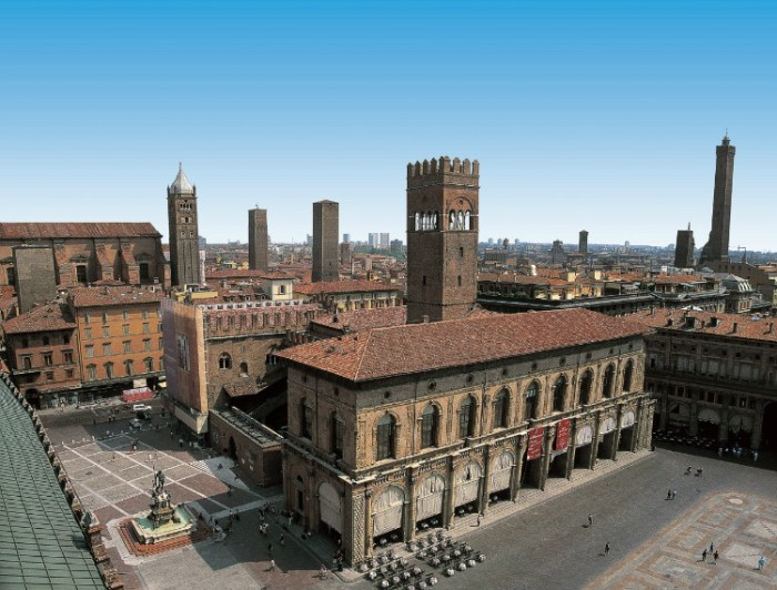 Bologna's Piazza Maggiore | Photo Silvia Donati, Bologna Uncovered (click for article)