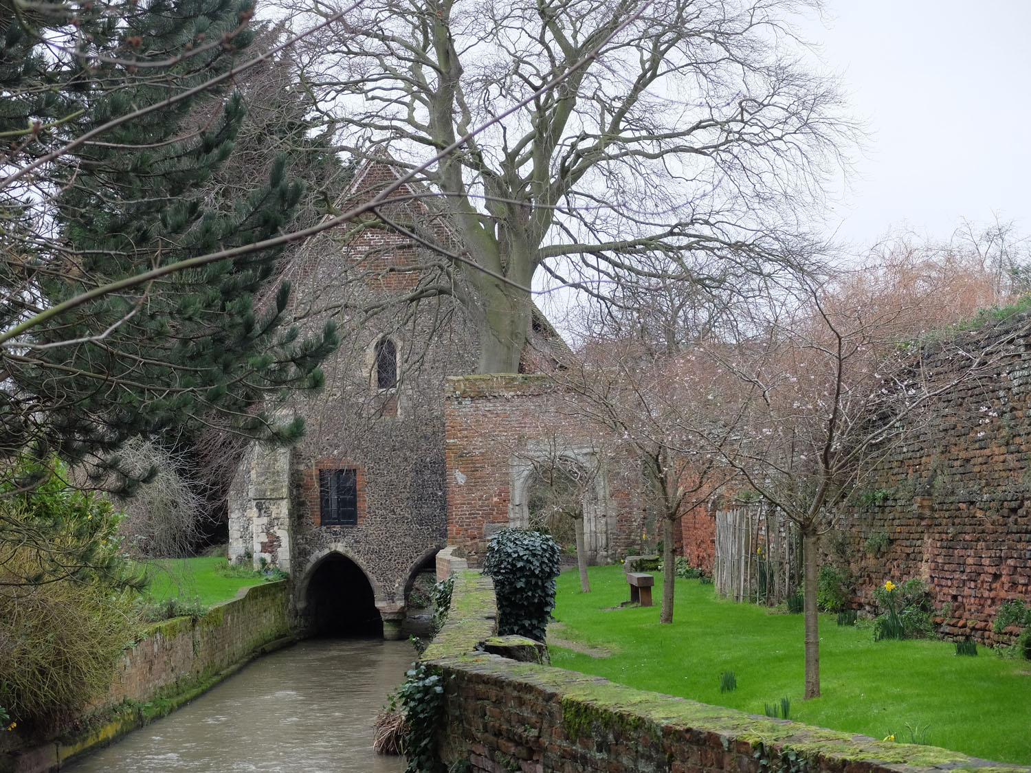 Greyfriars Chapel over the Stour