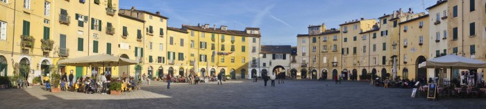 Piazza dell'Anfiteatro in Lucca | Photo Marco Badiani (all rights reserved)