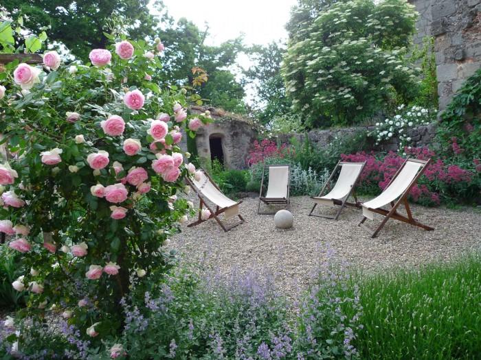 Floral paradise at Casa di Pietro on the estate