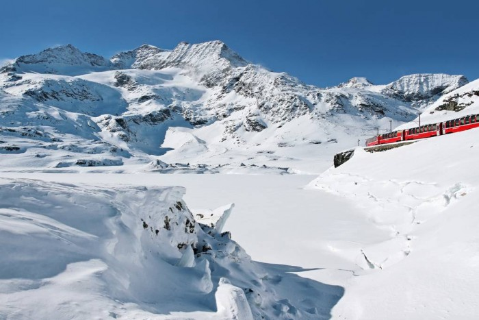A train through mountains! The Bernina Express | Photo www.rhb.ch click for link