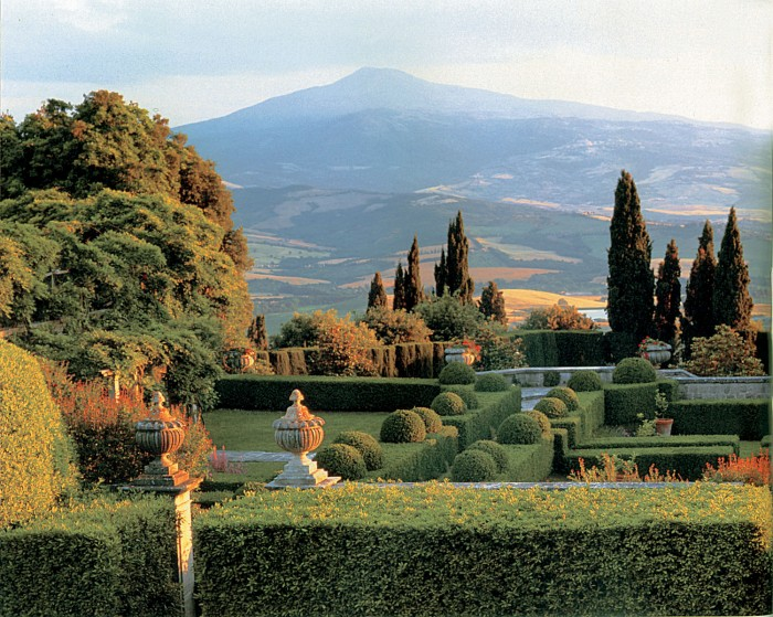 La Foce S Garden And The Hills Beyond