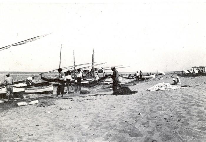 Fisherman prepare to go to sea, historic photo