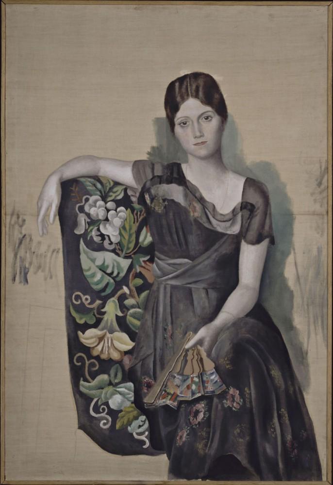 Picasso's portrait of Olga, 1918 (source: wikipedia)