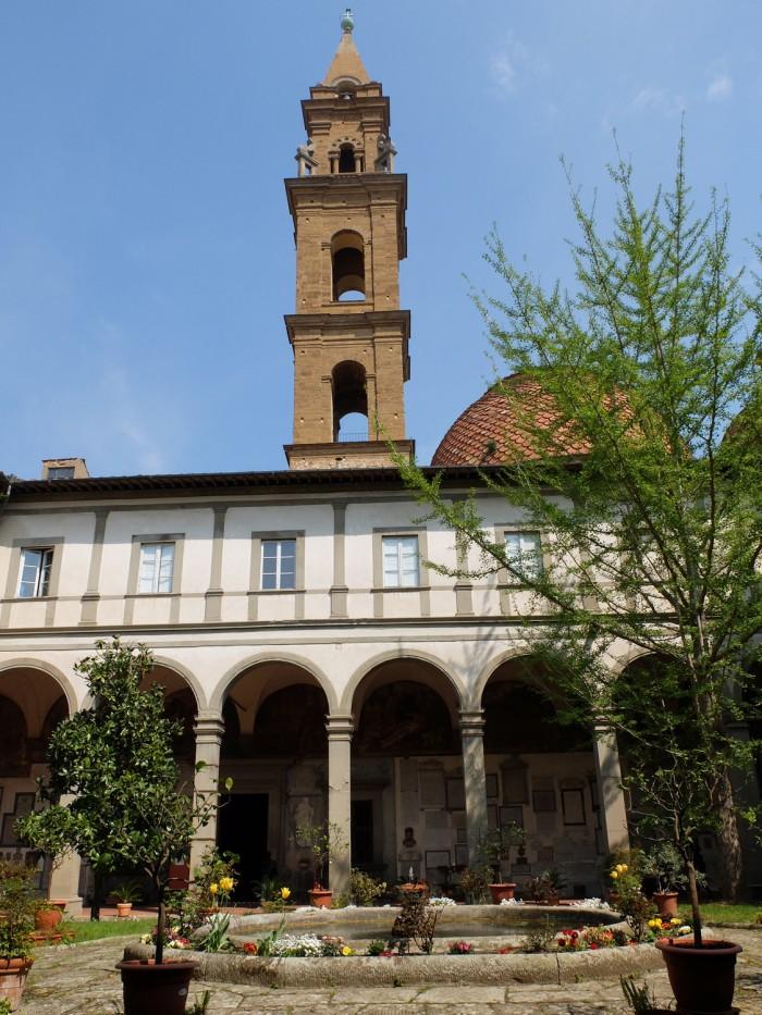 An unusual viewpoint onto the Church of Santo Spirito