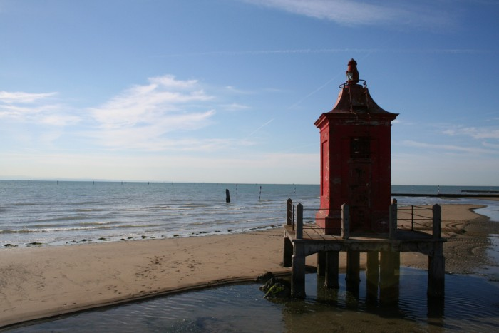 Lignano's beach and lighthouse | Photo Lignanoweb on Flickr