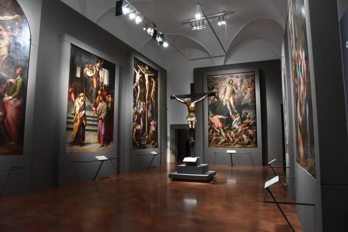 Counter reformation altarpieces room