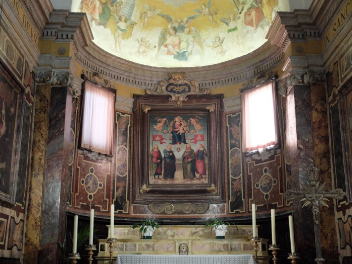 Città della Pieve Cathedral, high altar with painting by Perugino