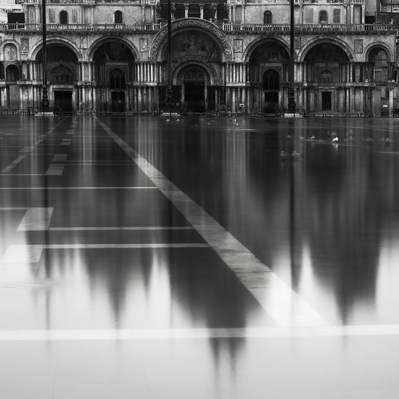 Why photograph venice in black and white arttravarttrav