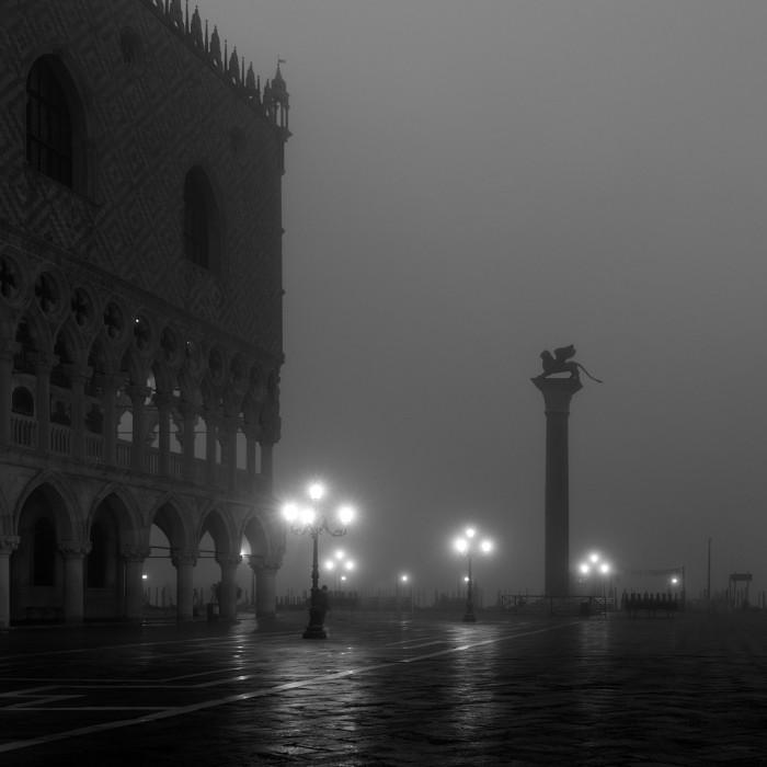 Photo Lisa Katsiaris for Venice in Black and White
