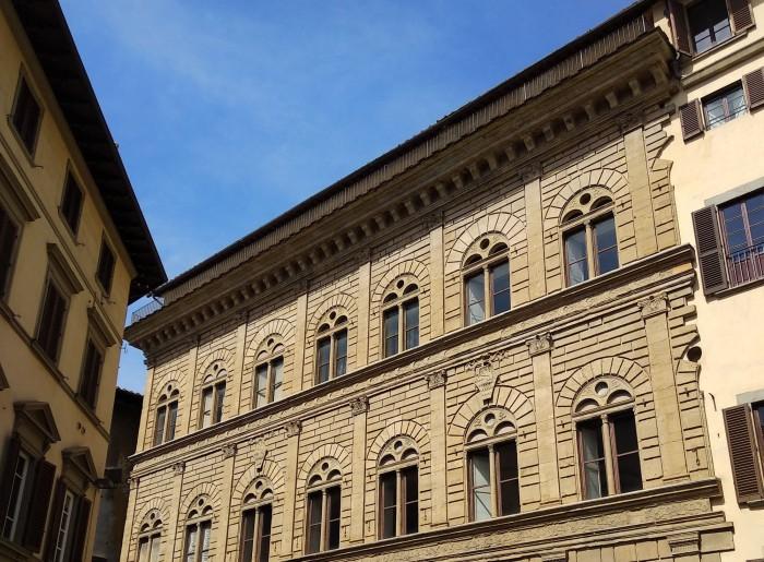 Palazzo-Rucellai-top