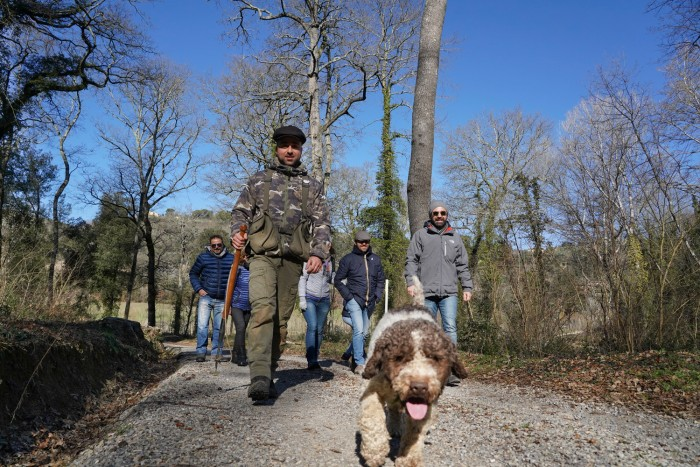Truffle hunting in Tuscany with Savini Tartufi